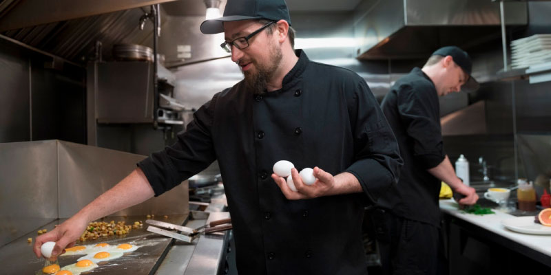 Carreras que desaparecerán en el futuro: cocinero de comida rápida