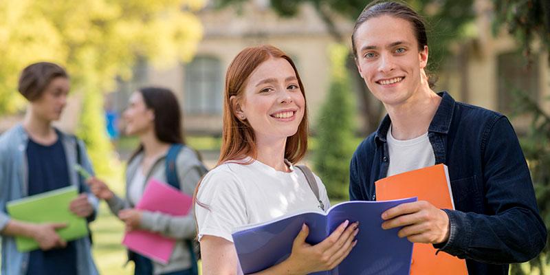 Gastos extra para estudiar una carrera en Chile
