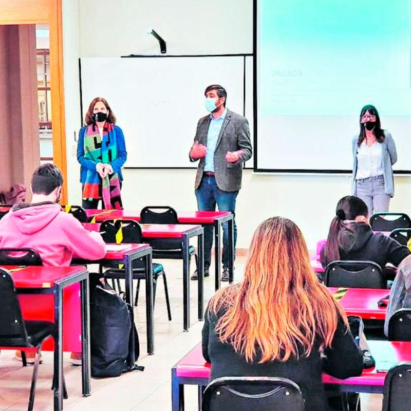 Universidades comienzan su retorno a clases